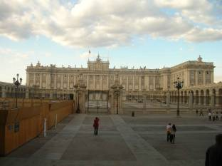 madrid_palais_royal.jpg