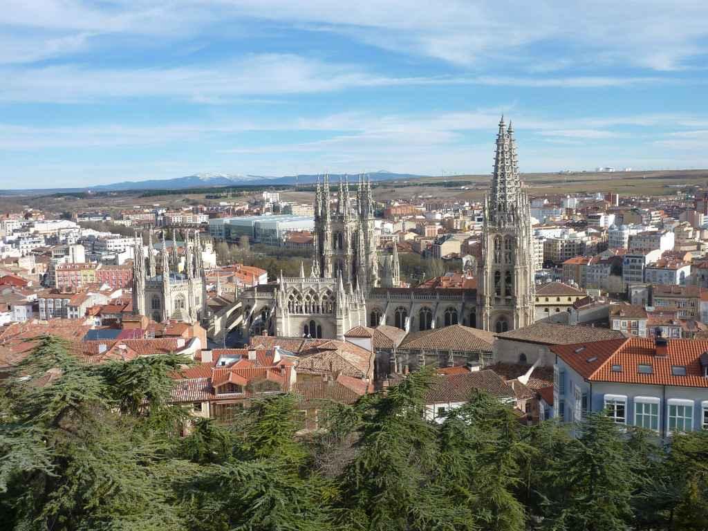 L`ESPAGNE – MOEURS ET PAYSAGES - avec les traditions catholiques de ce pays Burgos_vue_chateau