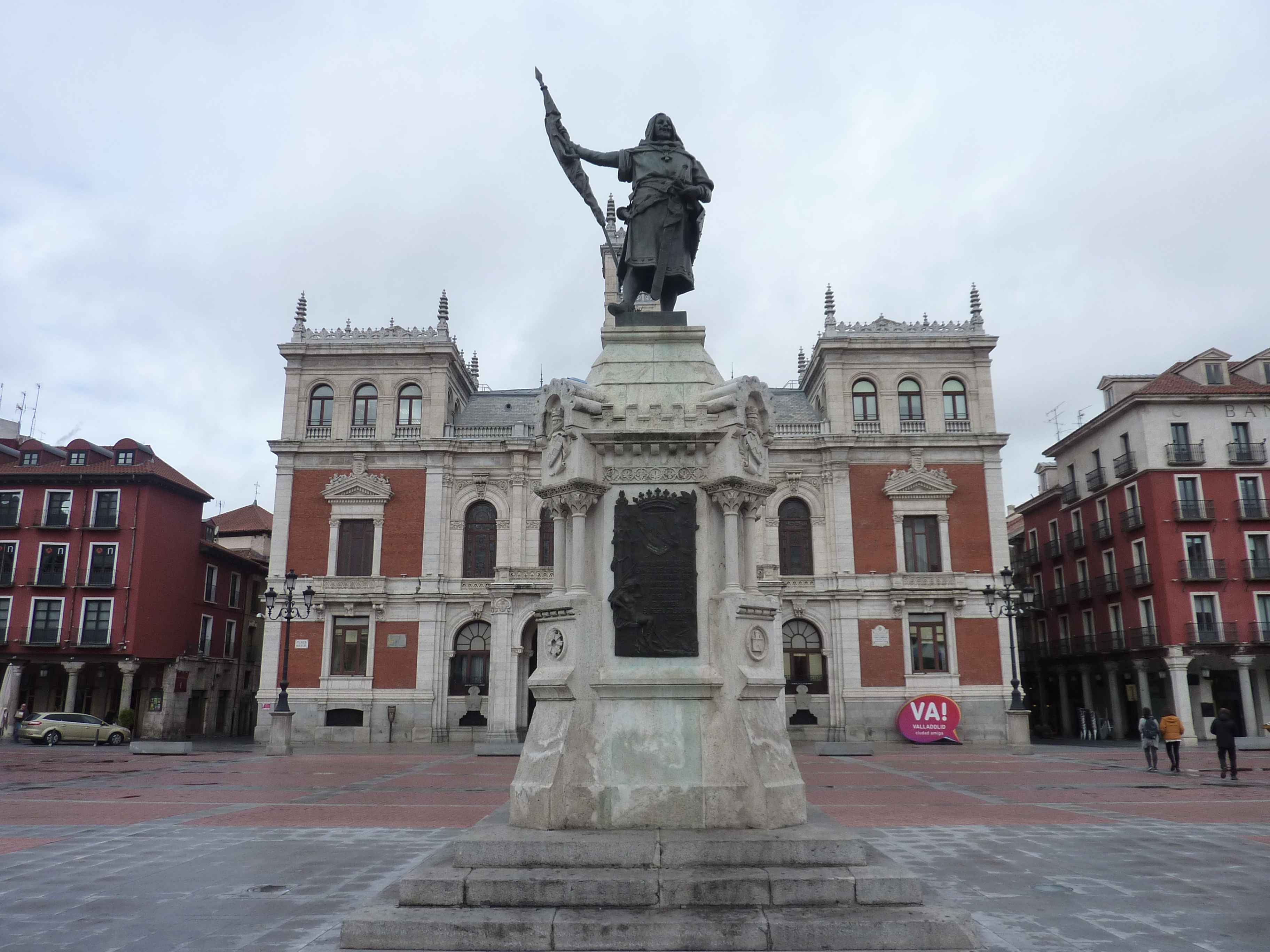 Grande Statue De Valladolid Sur La Plaza Mayor en Images